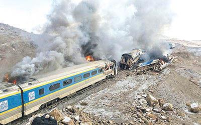برخورد دو قطار در آفریقای جنوبی 320 کشته داد