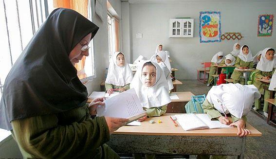 خبر خوب برای معلمان حق التدریس / سال آینده معلمان حق التدریس جذب می شوند