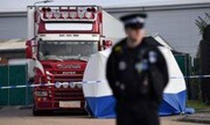 بازداشت 13 فرد قاتل 39 مهاجر ویتنامی در یخچالی در انگلیس به جرم قاچاق انسان