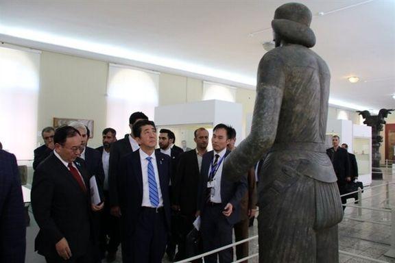 بازدید نخستوزیر ژاپن از موزه ملی ایران