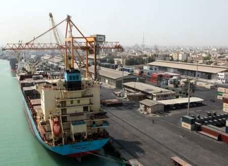 ارائه مجوزهای واردات کالا برای همه اقشار جامعه آسان شود