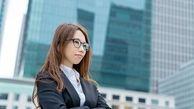 ژاپن زنان را از استفاده عینک در محل کار منع کردهاند!