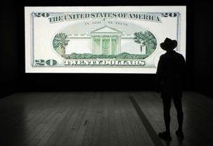 تنش بین آمریکا و چین دلار را به پایینترین قیمت دو ماه اخیر رساند